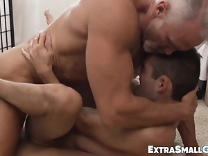 Twink strokes his dick while being raw penetrated missionary