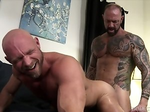 ExtraBigDicks Is Vic Rocco's Big Dick Too Much For Killian Knox?
