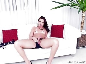 Horny Shemale With Tan Lines Strokes Her Meaty Dick
